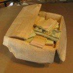Formas perfiladas escultura caja con dinero Randall Rosenthal - Noticias totenart