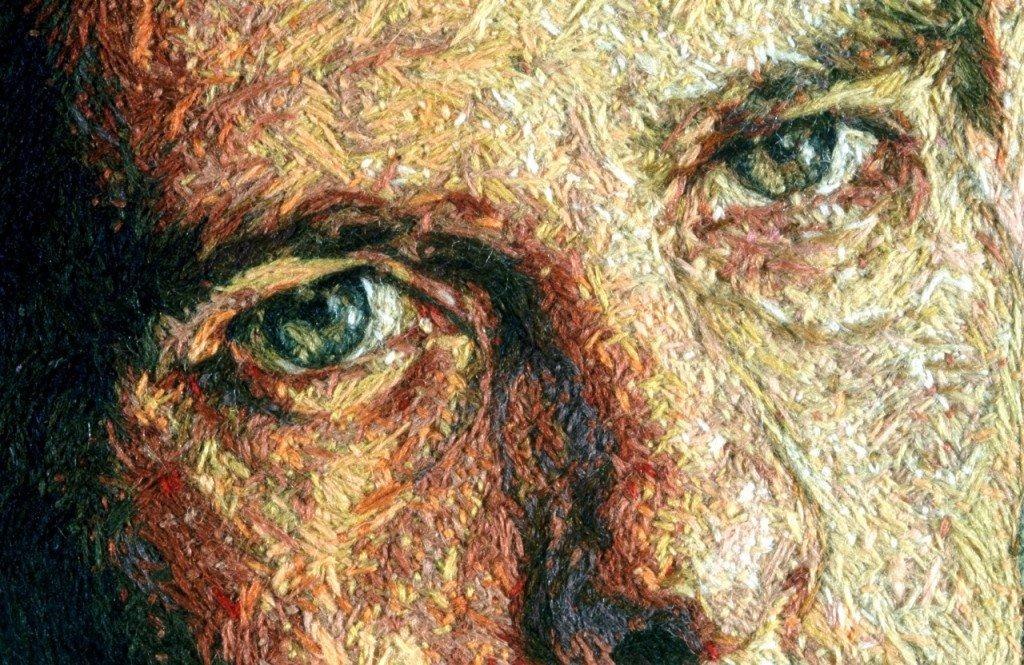 Detalle del retrato con hilo hecho por Cayce Zavaglia