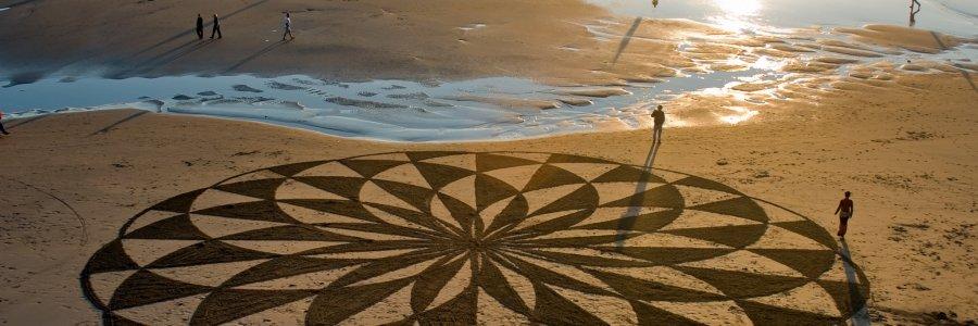 La arena como lienzo: el arte de Andrés Amador