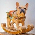 Bulldog Francés, escultura en madera de Tim Racer
