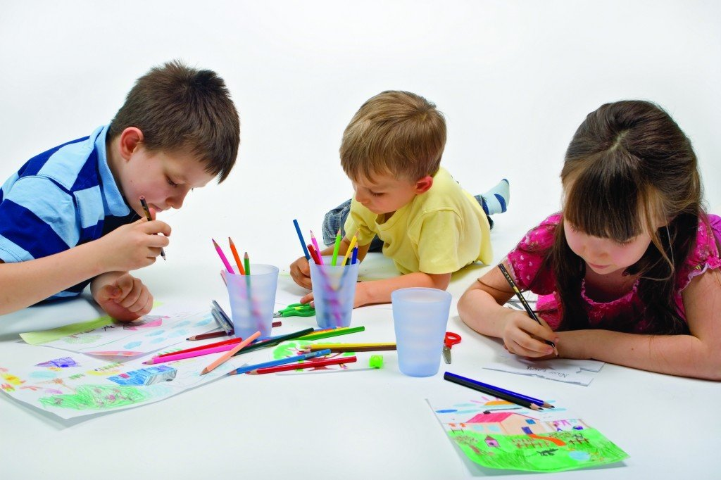 Imágenes De Niños Dibujando 8 Pictures to pin on Pinterest