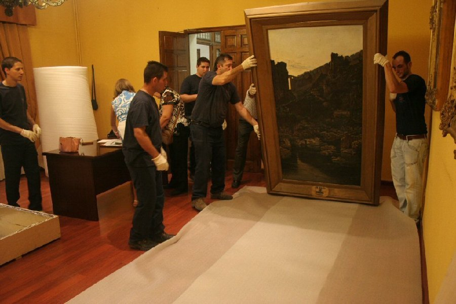 ¿Cómo envolver un cuadro? Aprende a proteger tus obras en traslados - Noticias totenart