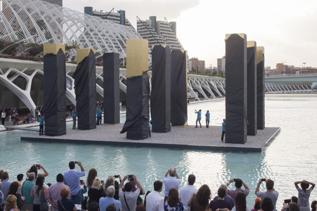 the-sky-over-nine-columns-noticias-totenart-valencia-inauguración