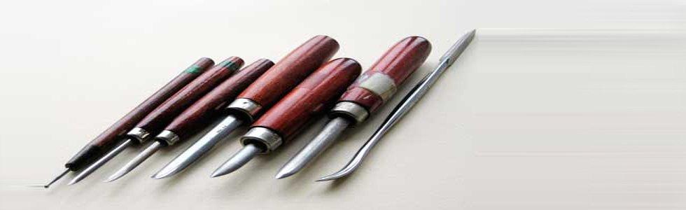 totenart-cabecera-herramientas-de-grabado-cacografico