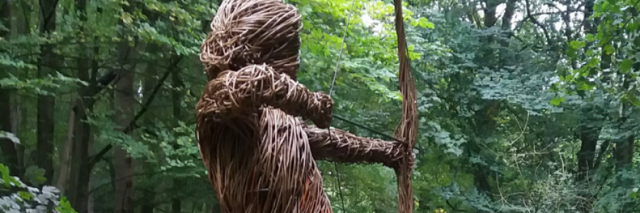 Anna, la escultora del bosque