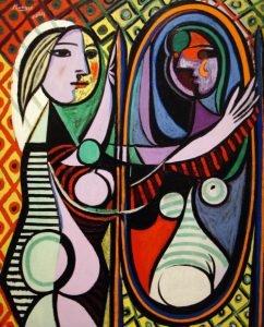 totenart-mujer-en-el-espejo