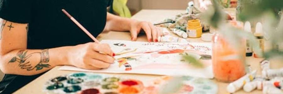 6 mujeres artistas actuales de referencia