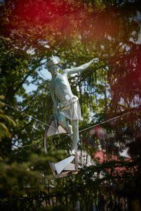 totenart-balancing-sculptures