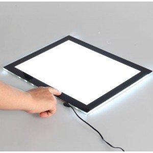 totenart-pantalla-de-luz-materiales