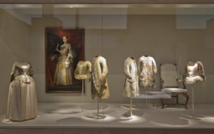 totenart-museo-del-traje