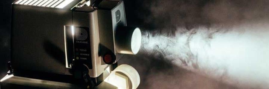 Cómo usar un proyector de opacos