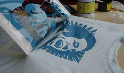 Como personalizar tus camisetas stencil y spray tutoriales arte de totenart - Plantillas para pintar camisetas a mano ...