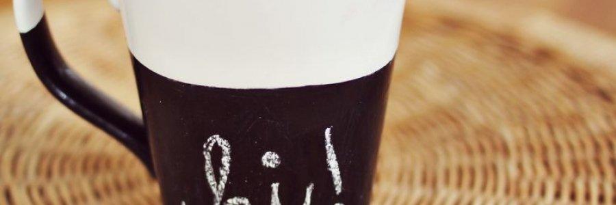 Cómo escribir mensajes en una taza